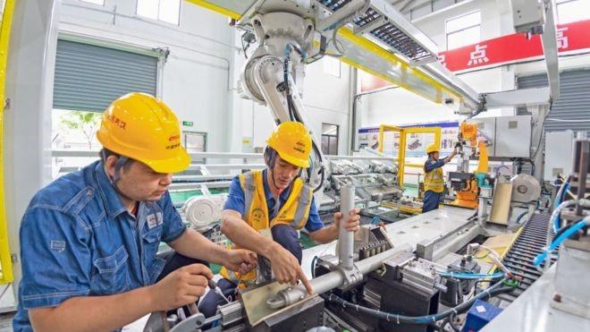 CORONAVIRUS: CHINESE ECONOMY BOUNCES BACK INTO GROWTH