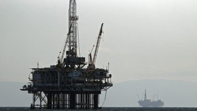 OIL EXTENDS LOSSES AS STOCKPILE RISE AMID WEAKENING DEMAND